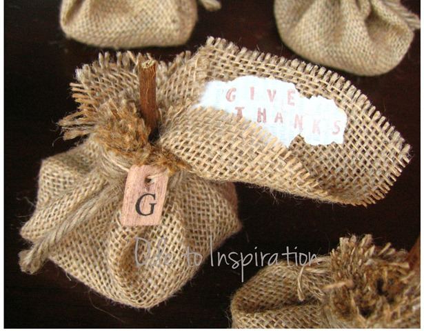 Pumpkin-Burlap-Thanksgiving-Hostess-Favors