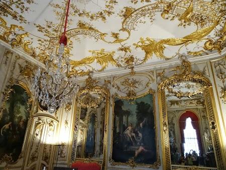 Aur pe pereti