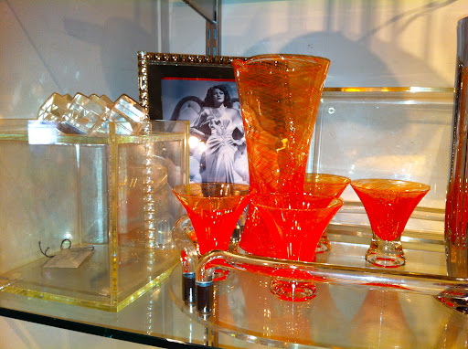 The color of this glass bar set is amazing. It reminds me of a blood orange.