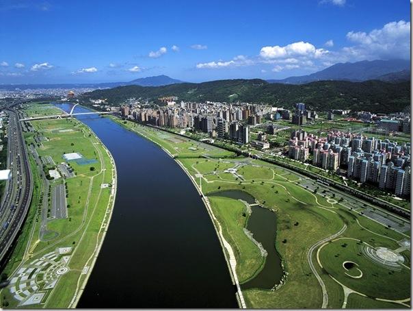 圓山飯店前基隆河