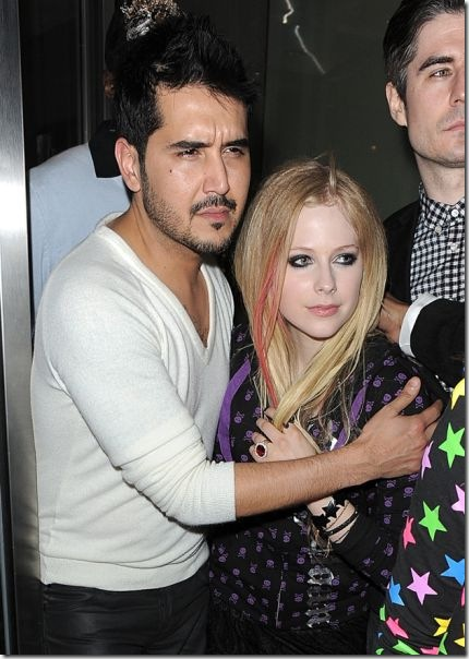 avril-lavigne-boyfriends-4