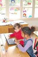 2009 - Ecole Numerique Rurale Les Enfants Travaillent Sur Les Ordinateurs