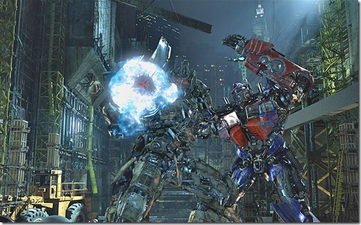TRANSFORMERS The Ride: OPTIMUS PRIME battles MEGATRON