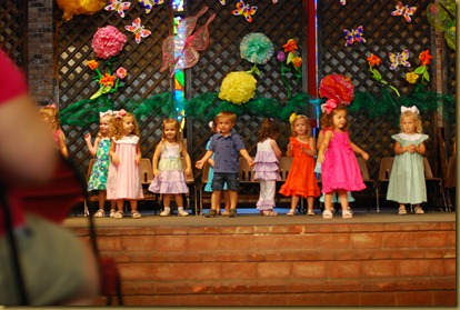 g 2 year old school play (27)