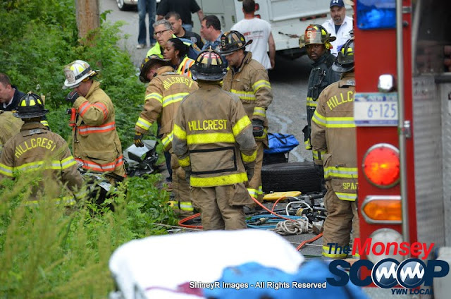 MVA With Entrapment On S. Mountain Rd - DSC_0018.JPG