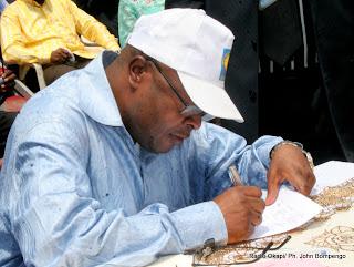 Candidat à la députation nationale, Banza Mukalay, le président du conseil d'administration de l'Institut national de sécurité sociale (INSS) doit confier son mandat à son adjoint.