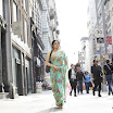 English Vinglish Movie Stills (20).jpg