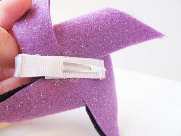 Daydream Believers: Tutorial: Felt Pinwheel Hair Clip