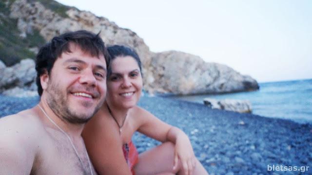 Στα Μάυρα Βόλια! λιγο πριν κολυμπήσουμε στα σούπερ τέλεια νερά!