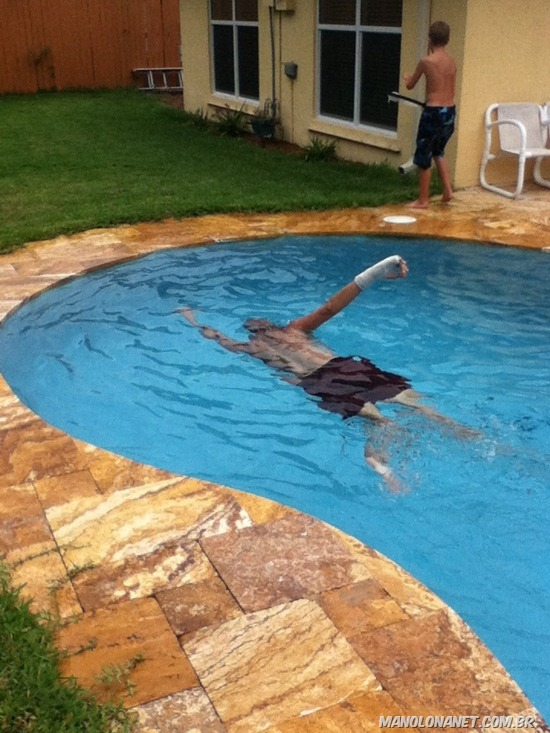 Nadando com o Gesso