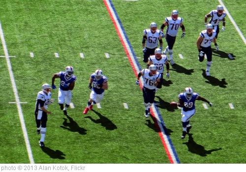 'Brady under pressure' photo (c) 2013, Alan Kotok - license: https://creativecommons.org/licenses/by/2.0/