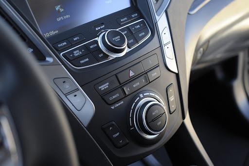 2013-Hyundai-Santa-Fe-Sport-21.jpg