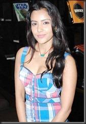 Priya-Anand-hot