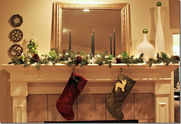 christmas mantel 1