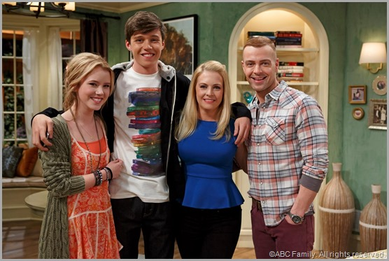 The cast of MELISSA & JOEY on ABC Family.