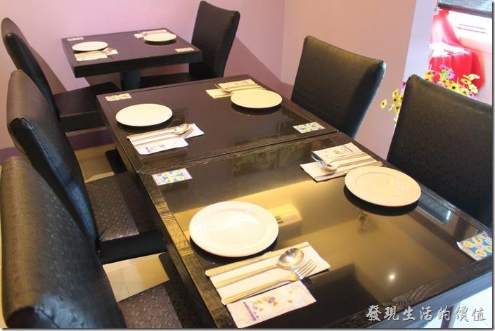 台東-愛上台東義大利餐廳。「愛上台東」餐廳的餐桌擺設。
