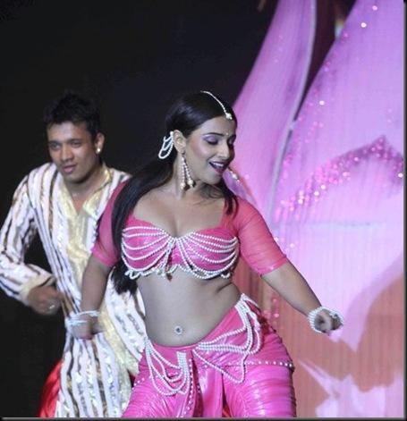 Vidya-Balans-dance-performance-pics-7