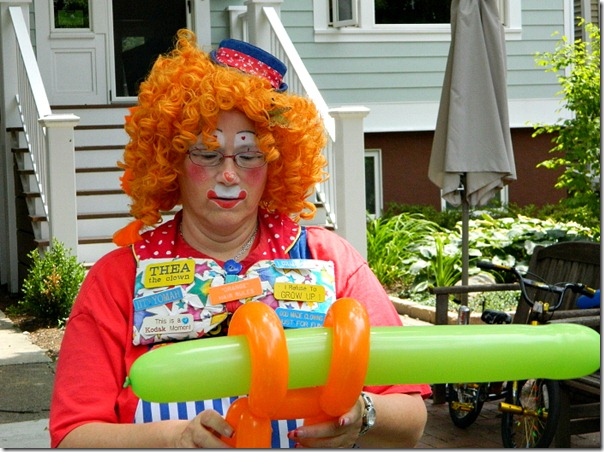 chicago_block_party_clown_balloon_animal_maker