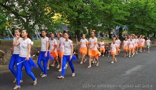 Glória Ishizaka - PL 2014 - Kyosso sai - bastonistas 1