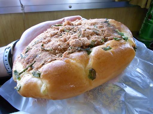 肉のデンブ、肉鬆が乗ったパン。