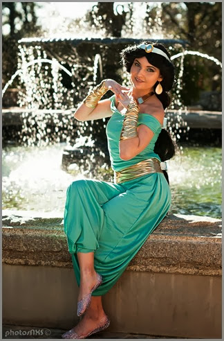 princess_jasmine_custom_winter_cosplay_by_the1nonlymcrangel-d5sbdyw - copia