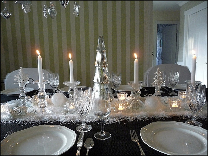 Christmas dining room black 2011 019 (800x600)