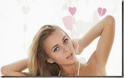 Beautiful Girls Wallpapers Pack (13)