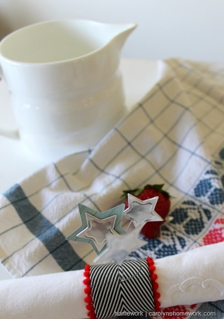 Patriotic Napkin Rings with Stars via homework ~ carolynshomework (12)