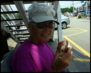 09f3 - Perkins Cove - Lobster Rolls