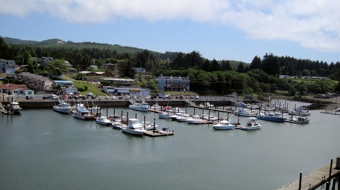World&#39;s Smallest Harbor in Depoe Bay