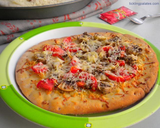 Garlic Bread Mushroom Pizza