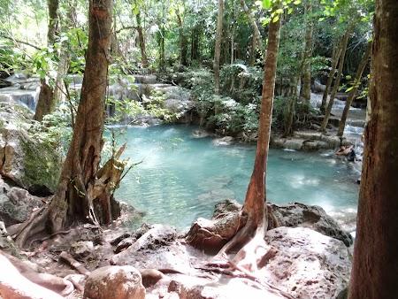 37. Zona de cascade Erawan.JPG