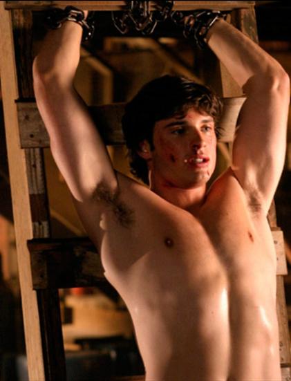 Tom Welling shirtless