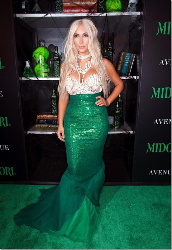 kim-kardashian-mermaid-halloween-1