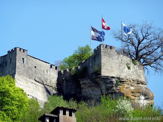 Замок Ленцбург