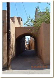 Narrow alley in Yazd