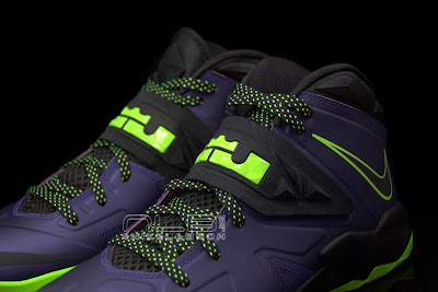 lebrons soldier7 purple volt 45 web black The Showcase: Nike Zoom LeBron Soldier VII JOKER