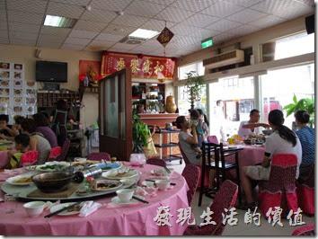 鹿草的和樂食堂餐廳一樓的景緻。