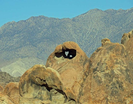 Alabama Hills Heart Rock