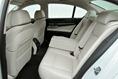 2013-BMW-7-Series-32