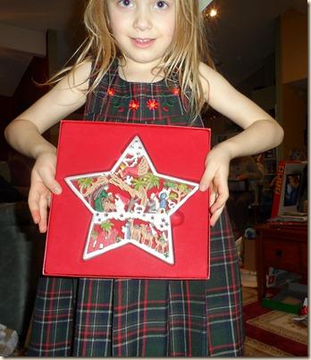 12-25 Christmas gift opening 11