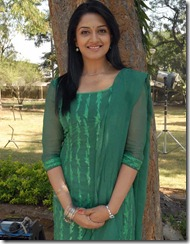 vimala raman in green churidar