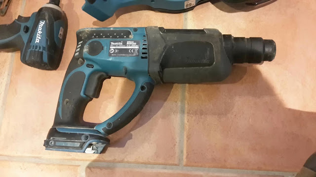perforateur makita 18v