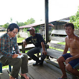 Pandan のツバメハウスのオーナーに聞き取りを行う(市川氏)/ At Pandan Mr. Ichikawa making an interview with the owner of a bird farm house