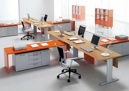 Arredo ufficio e sale riunioni carminati e sonzogni for Scrivanie ufficio moderne