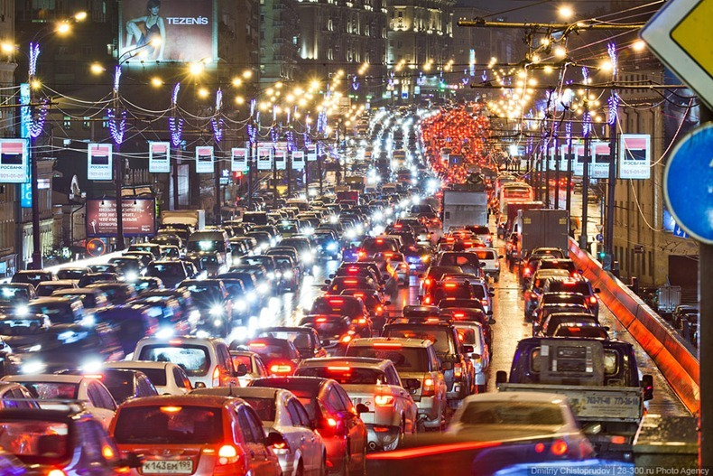 moscow-traffic-jam-22