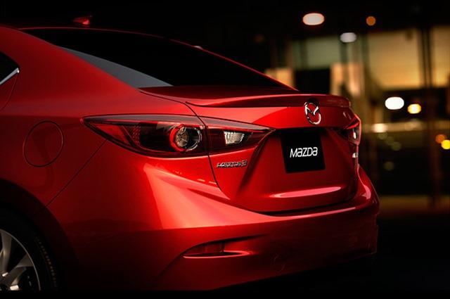 2014-Mazda3-002