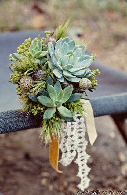 6-Bos_Bos_Katelin_Wallace_Photography_BohemianInspiredBrideforGWS10_low art with nature