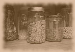 reuse_glass_jars_in_pantry