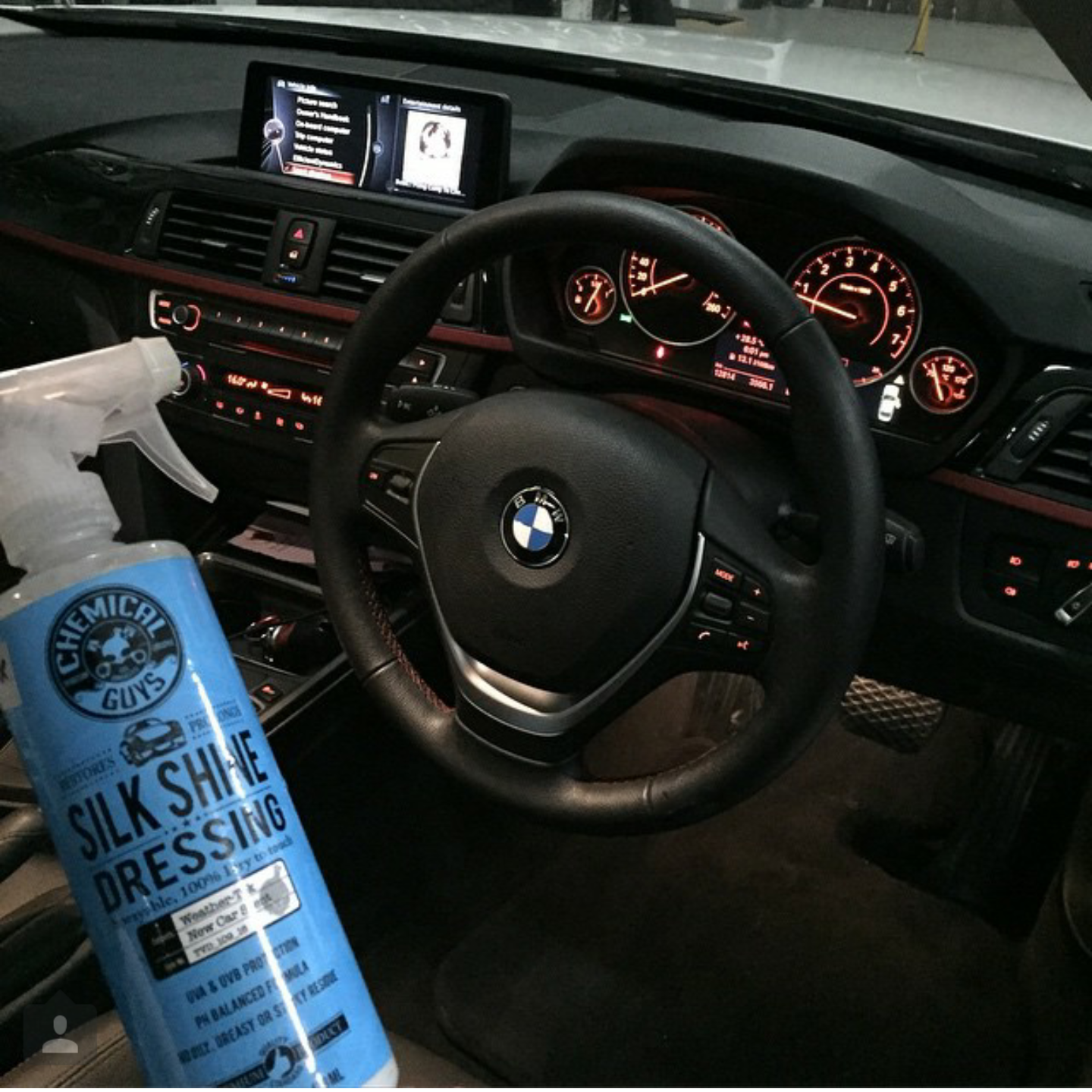 how to clean car plastic exterior